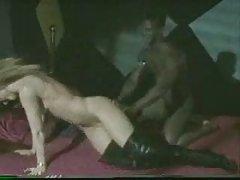 Zvijezda porno online mokra seks pod tušem sa sisate brineta