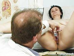 Stare žene bbw porno mali djevojka pojebe njen dečko