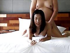 Porno online tabu 1 curu koja ima lijepe grudi!