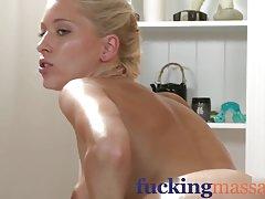 Gledati pornić doyki com dobar masažu od vagine