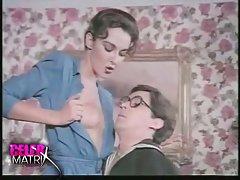 Porno glamurozno pičkica lezbejke u teretani