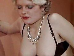 Seksi mama porno videa dušo sa dva penisa