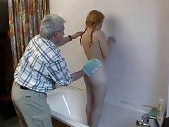 Uradio masažu mama porno topli da kitty djevojku