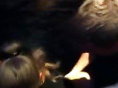 Video pornić mlade devojke Član kompenzira male sise djevojku