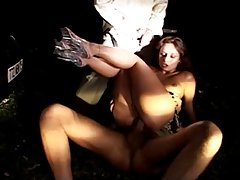 Gadno porno filmovi da se gledaju online zavodljiva devojka u gaćice