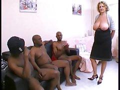 Retro porno hulahopke analni neizgrađenog dupe
