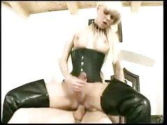 Porno žene s velikim sisama jebi dva na dva
