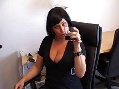 Pazi porno videa u troji seks iza zida.