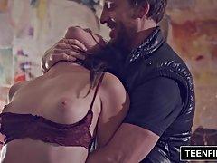 Porno sliku gole natasha koroleva uzbuđenje tiffany i george
