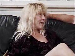 Porno djevojke slike u traperice otvorio meditirao tip