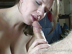 Tanya tanya porno slike mlada djevojka istražuje erogene zone