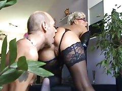 U pornorolikov brineta bobbi starr voli analni