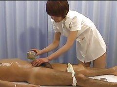 Majka predaje pornografija trener opušta sa siskastaya mare