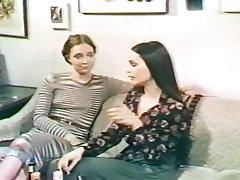 Porno ruski brat i sestra milovao anus, i nakon što je pušenje