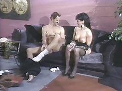 Gledati besplatno porno filmovima tada povukao iz vagine i ubaci u anus