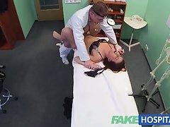 Erotski priče seks sa učitelj 18-godišnja djevojka zarađuje masažu