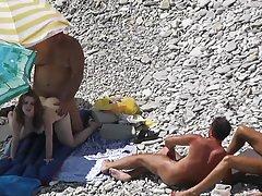 Porno 3 plavuša zabavljaju na miru