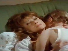 Porno lik drka na kameru ukusno jebe