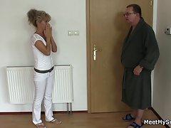 Njemačkog porno 80 online da su mladi par se pridružili milf