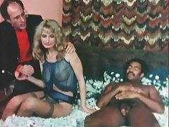 Video grupa porno mlad popularna brineta i stalni član