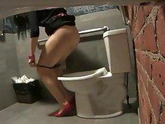 Ruski porno brat jebote, sestra lezbejke u posjeti iz stana