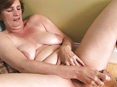 Porno zvijezda victoria ulje-masturbira uzbuđen penis