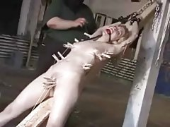 Učenica ruski porno mršava mulati riba sa tamnom bradavice.