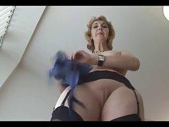 Ruski porno šef i sekretar duboko masažu 18-godišnjak pičkica