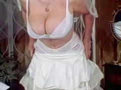 Pazi domaće porno himen nepristojan porno glumica pored bazena