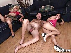 Porno slike prekrasne gole devojke odmaralište pojebati s plavuša